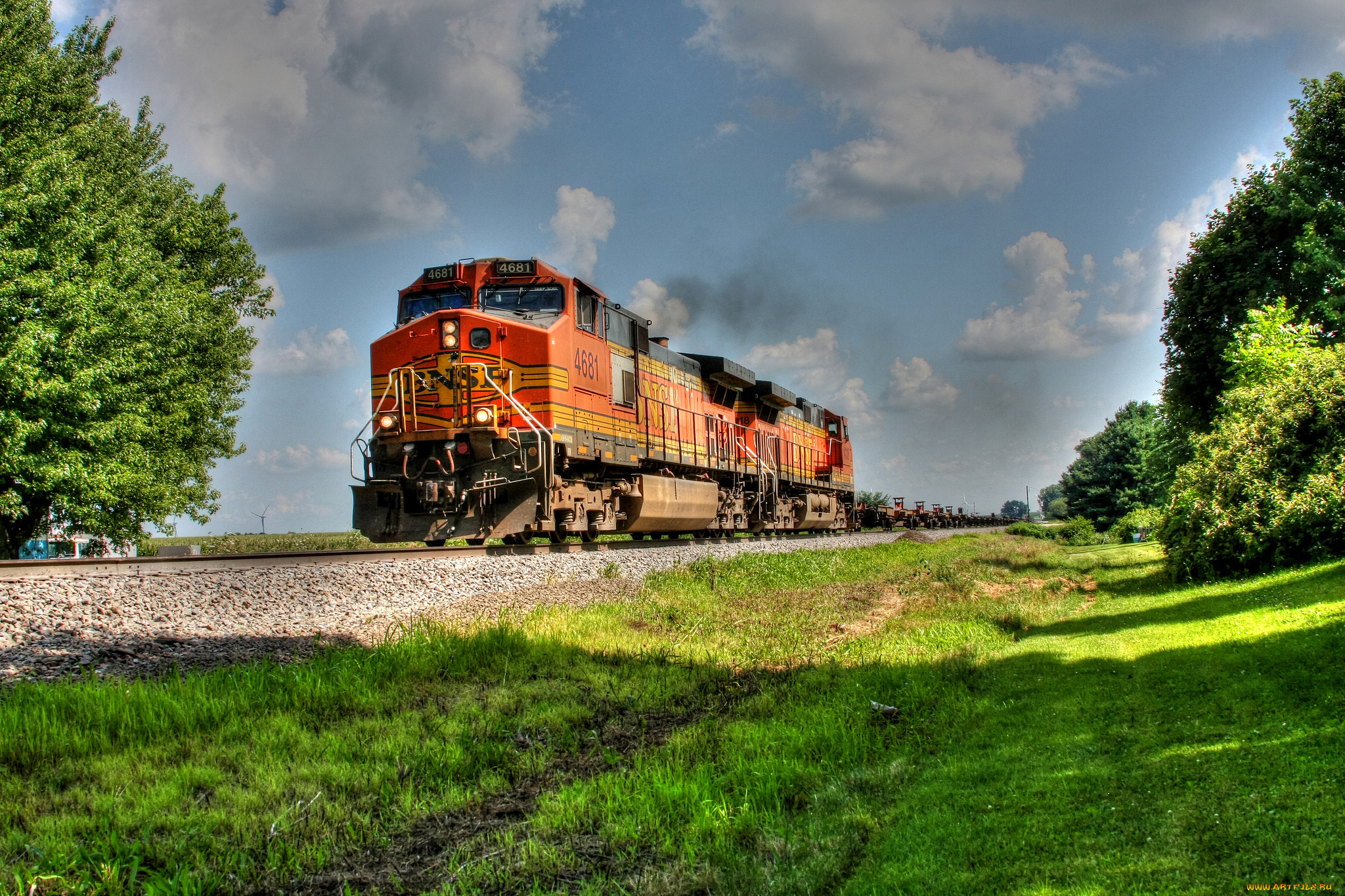 картинки железнодорожного поезда ожидании нужного автобуса